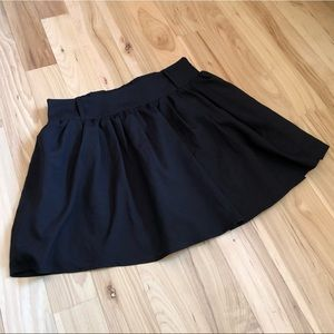 EUC Charlotte Russe Small black mini skater skirt
